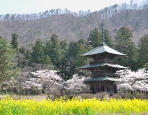 八幡神社三重塔